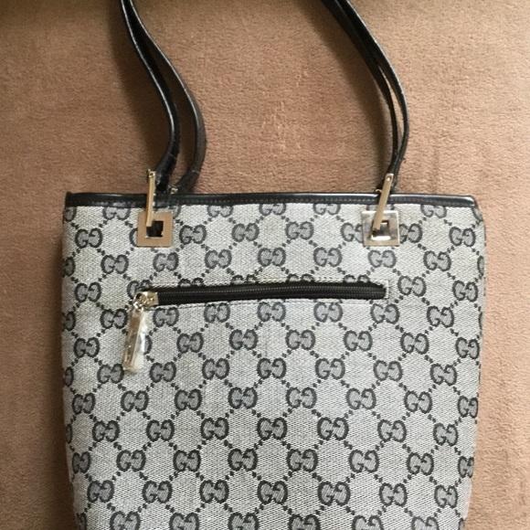 Gucci Handbags - BNWOT. GUCCI BAG
